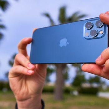 Apple e bën të lehtë transferimin e fotove nga iCloud në Google Photos